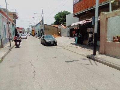 ALQUILO EN CONOCIDA ZONA DE VENTA DE TORTAS Y DULCES DE VALENCIA LOCAL